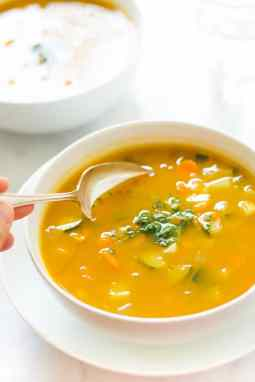 Summer-Soup-with-peas-carrots-and-zucchini_-6